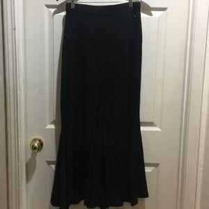 Nine 1 Eight Long Black Skirt Size XL